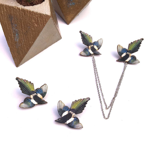 Magpie pin collar pins