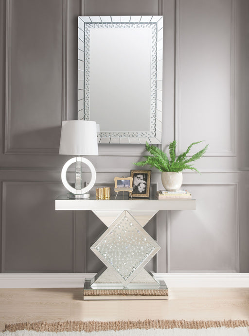 Nysa Sharp & Bright Console Table