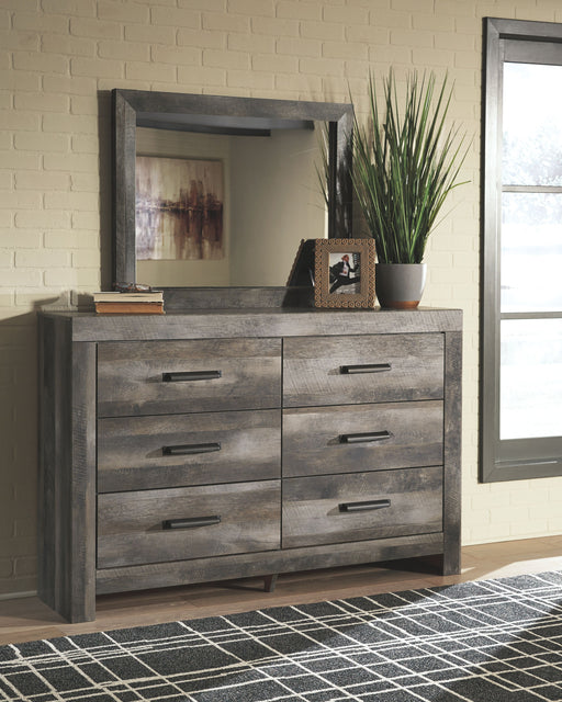Wynnlow Gray Dresser and Mirror
