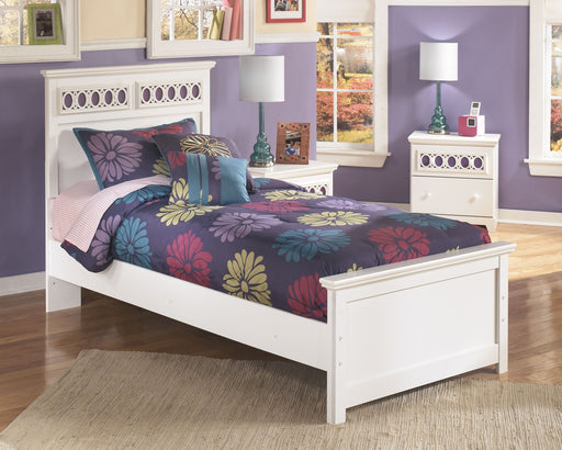 Zayley White Twin Panel Bed
