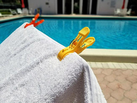Beach Towel Chair Clips - Keep beach towels from flying away - Pack of 8