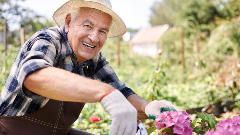 How to Prevent Pain While Gardening