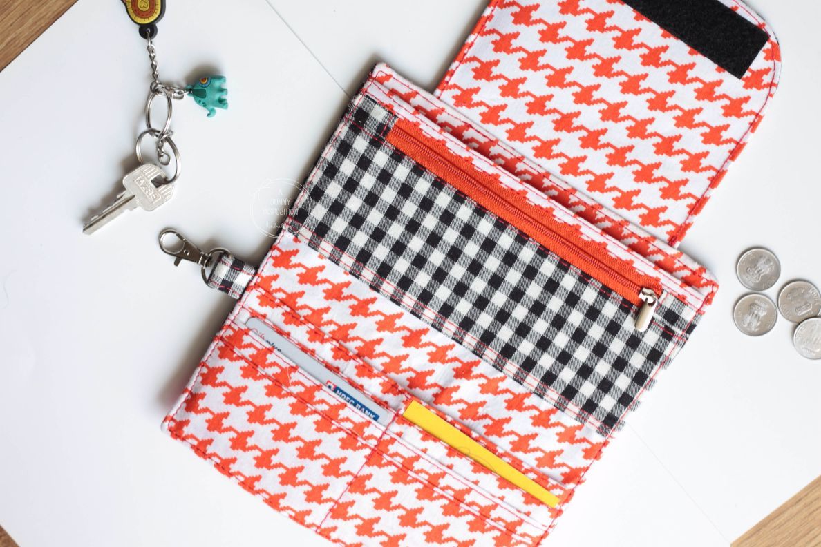Black White Checks Phone Wallet