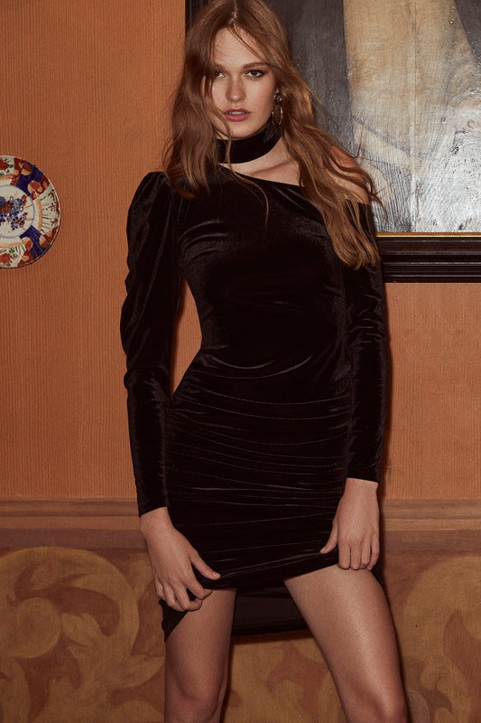 Velvet mini dress with bodycon fit, side shirring, one-shoulder design and mock neck in black.