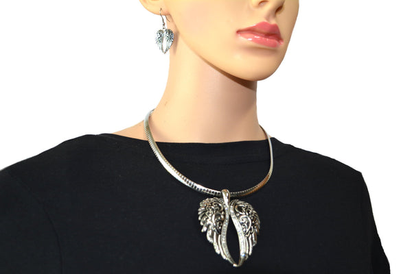"SK2550 Wing Pendant & Matching Earrings Set With 18"" Omega Chain Stainless Steel"