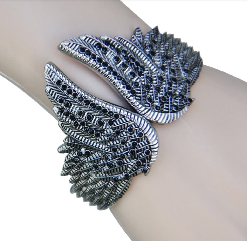 SK2555 Bracelet Wings Heart Imitation Black Diamonds Stainless Steel Heavy Metal Jewelry
