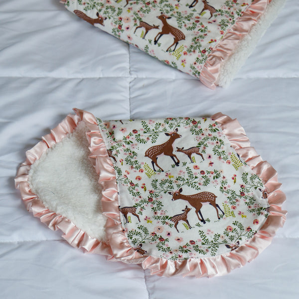 Fawn Burp Cloth with Sherpa back - Carli's Closet