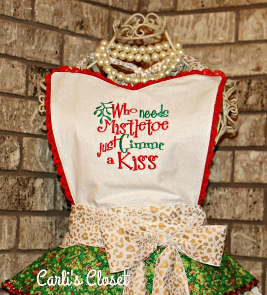 Christmas Apron Who Needs Mistletoe Just Gimme A Kiss - Carli's Closet