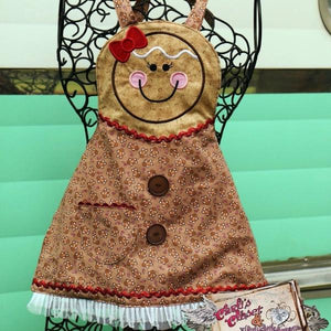 Girls Gingerbread Apron - Carli's Closet