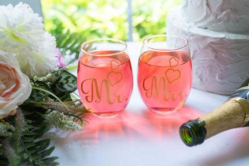 Personalized Mr and Mrs Wedding Stemless Wine Glass