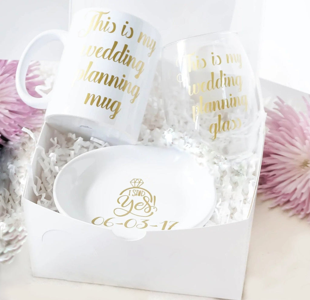 Wedding Planning Wine Glass And Mug Engagement Gift Box For Bride