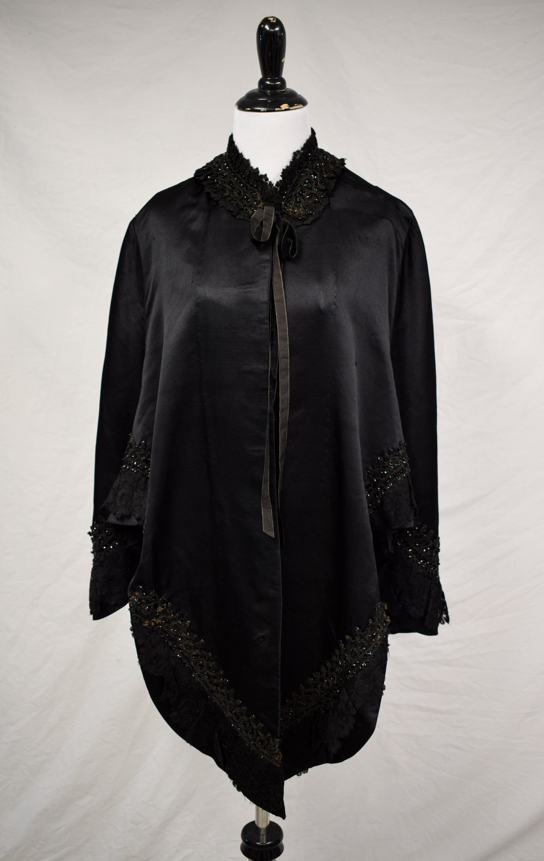 1900s Victorian Mourning Beaded Silk Cape