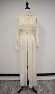 1930/40s Cream Lace Bishop Sleeve Peignoir Robe