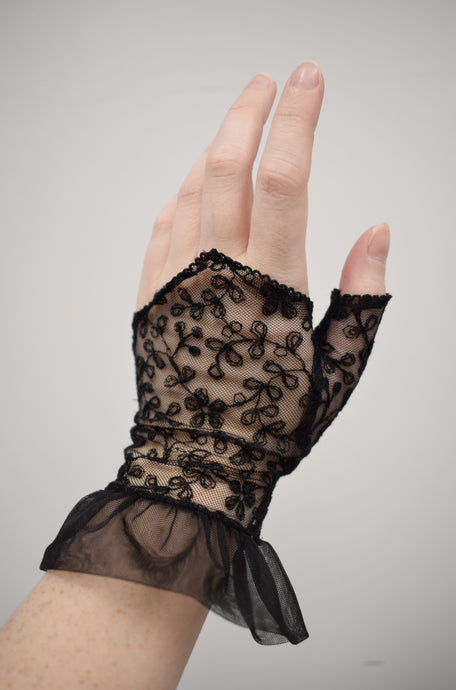 1980s Black Floral Lace Fingerless Gloves