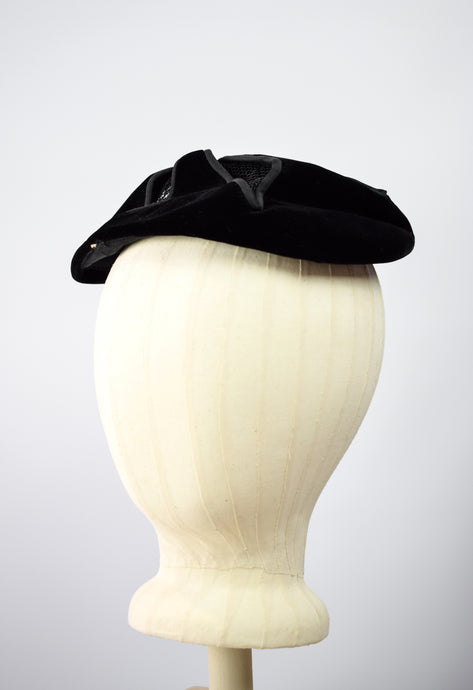 1950s Velvet & Mesh Cocktail Hat