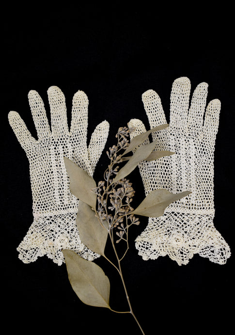 1910s Edwardian Sheer Crochet Tea Gloves
