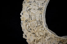 Antique 1910s/1920s Chantilly Lace Collar