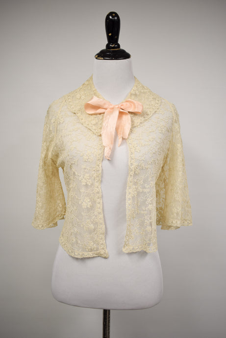 1940s Cream Lace Trumpet Sleeve Bed Jacket