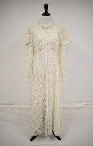 1970s Ro-Vel Cream Lace Juliet Sleeve Dressing Gown