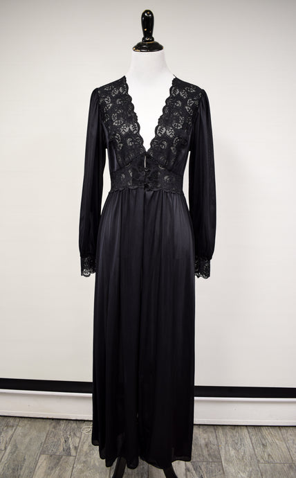 1990s Black Lace Trimmed 1940s Style Robe