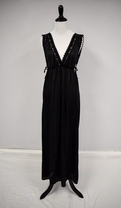 1980s Black Double V Nightgown