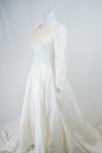 1940/50s Princess Wedding Gown