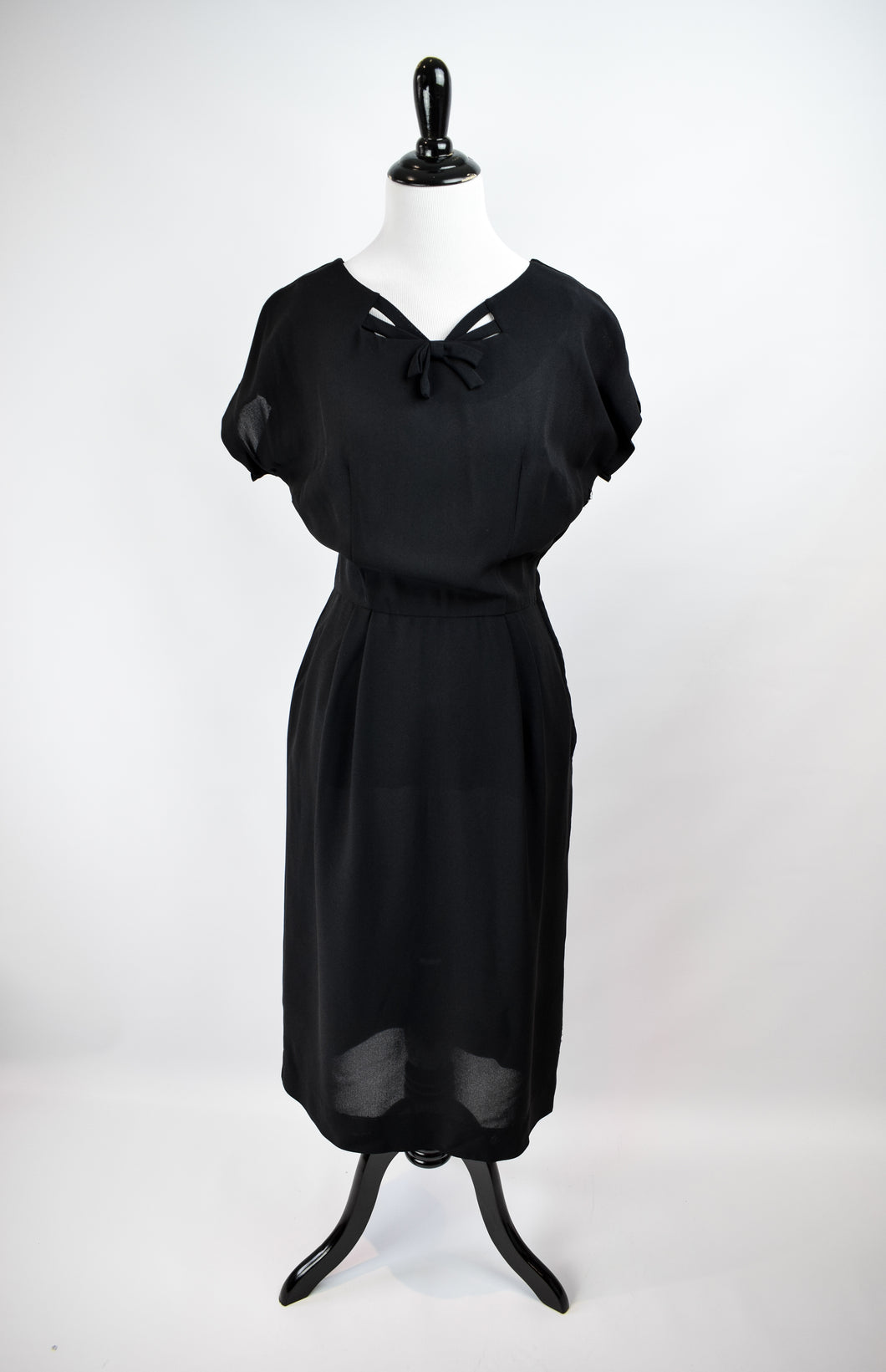 1940/50s Black Crepe Strappy Wiggle Dress