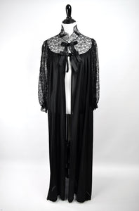 1940s Black Lace & Ribbon Peignoir Robe