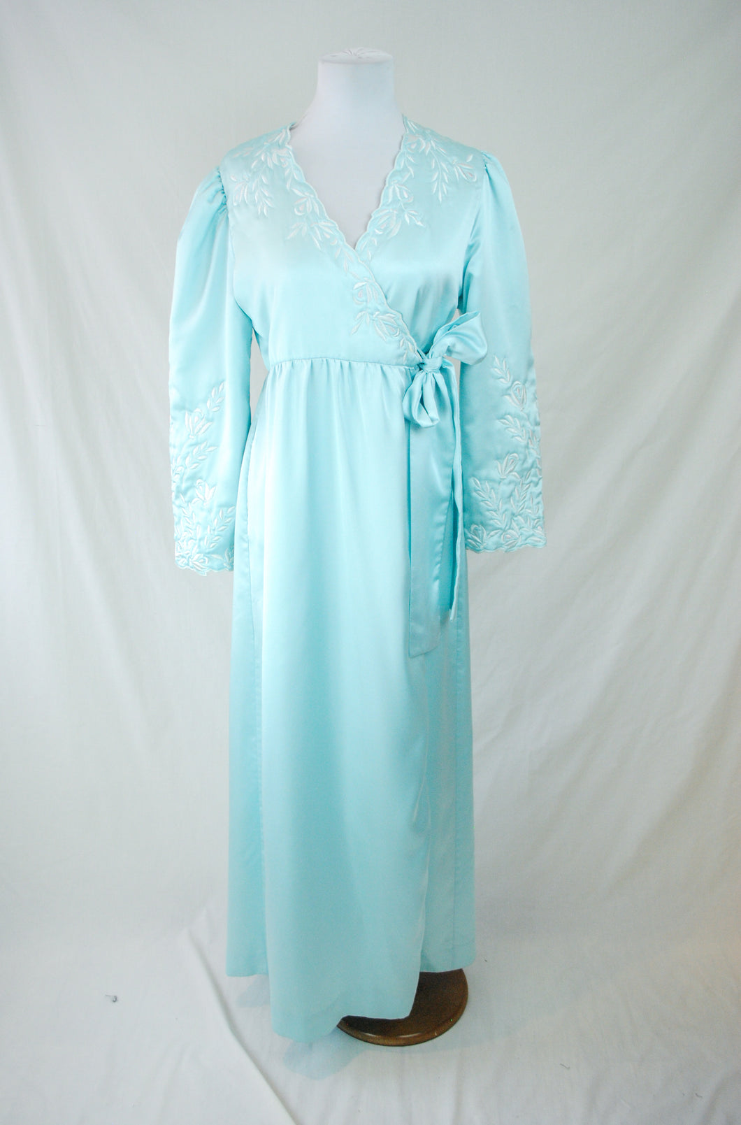 1980s Natori Dressing Gown