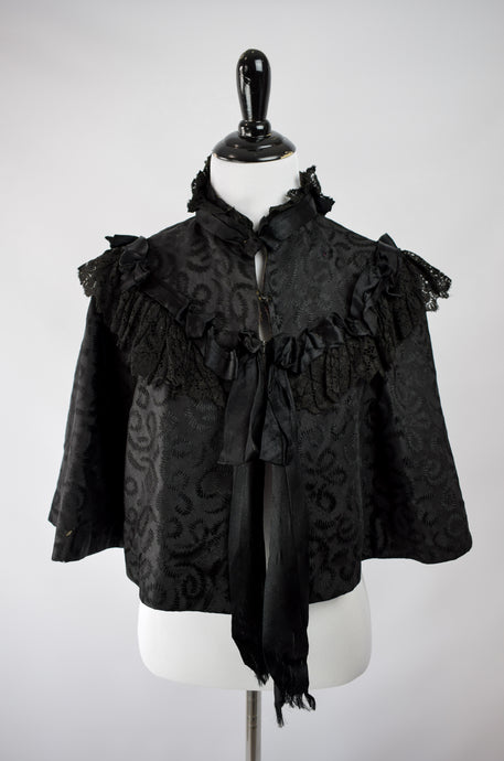 1890s Victorian Mourning Lace & Ribbon Capelet