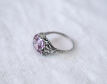 1940s Art Deco Amethyst & Silver Filigree Ring