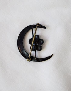 1880s Victorian Mourning Crescent