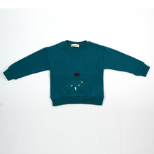 L/S Crew Neck w/ Sleeping Star and Red Pom