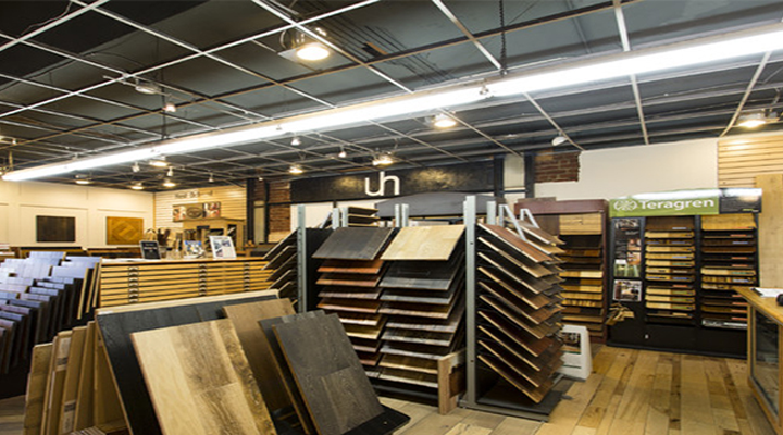 Wood Floor Stores vs. Online Retailers