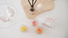 Set of 10 Tulip Soy Candle Favor