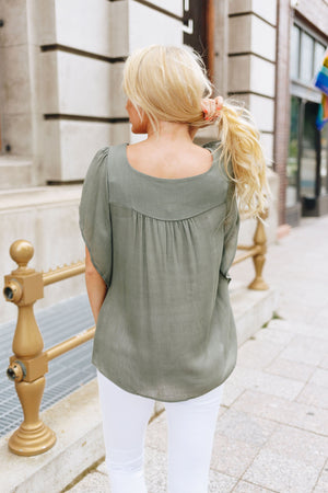 Summer Breeze Blouse In Sage