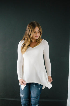 Willow Woven Shark Bite Top in Cream
