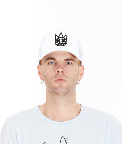 MESH BACK TRUCKER CURVED VISOR CAP IN WHITE