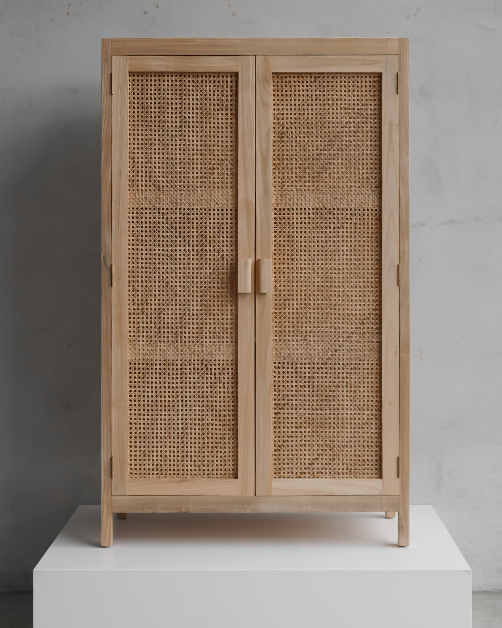 Henry Cabinet