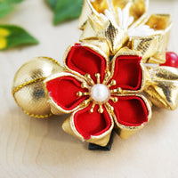 Golden Cherry Blossoms Kanzashi Hair Clip - Closeup