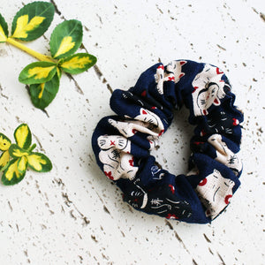 Kimono Fabric Scrunchie Maneki Neko in Navy