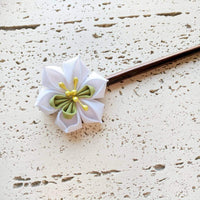 White Narcissus Flower Wood Hair Stick for Japanese Kimono - Closeup