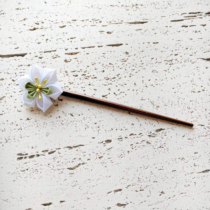 White Narcissus Flower Wood Hair Stick for Japanese Kimono