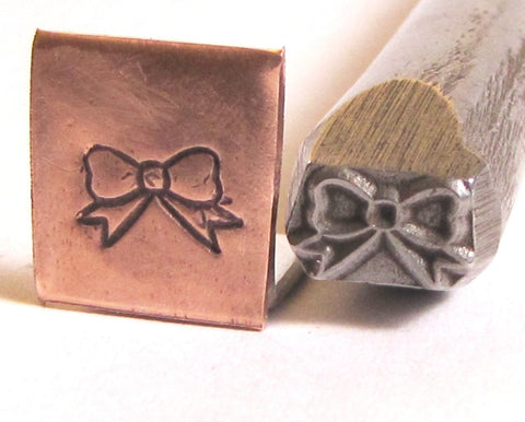 Big bow, 3/8 design stamp, 8mm x 5 mm - Romazone