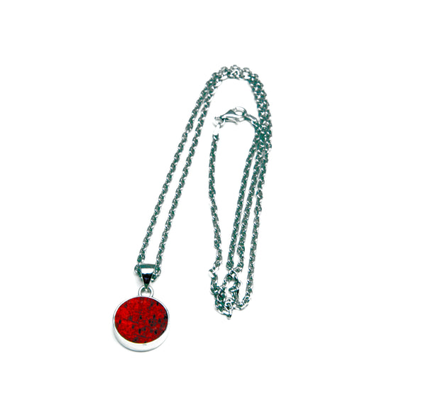 Necklaces with red fisk skin
