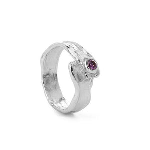 Silver ring with zirconia stone