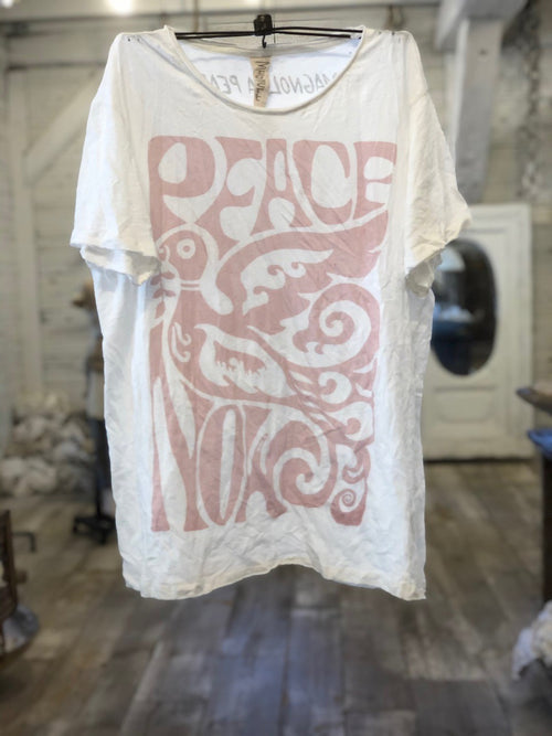 Magnolia Pearl, Peace Now Tee 875 in Ozzy