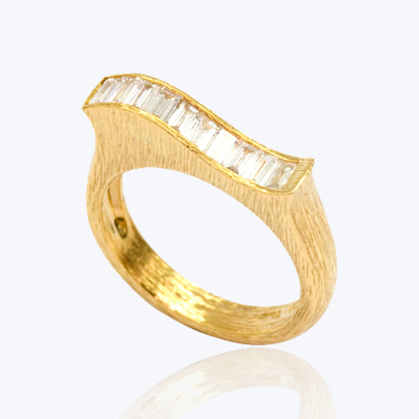 18K Gold Ring with Baguette Diamonds