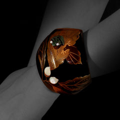 Japanese Lacquer Bangle with a Tsavorite Frog