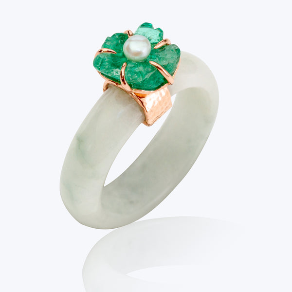 Jade Ring with Emerald
